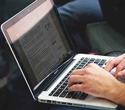 Consejos de @farmaenfurecida para triunfar en tus redes sociales