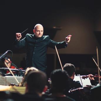 Liderar como un director de orquesta